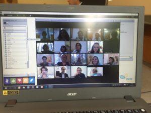 Digitale Elternbildung: Foto einer Elternbildungs-Veranstaltung, die online stattfindet