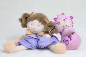 Puppen in Blau und in Rosa